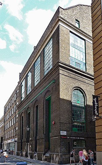 London Film School - Image: 24 26 Shelton Street (geograph 5367400)