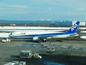 ANA B767-300 JA8568 01.jpg