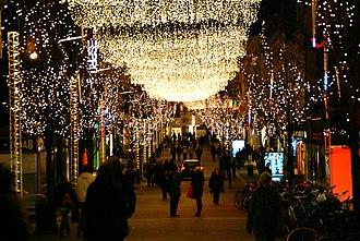 Ryesgade, Aarhus - Strøget (Ryesgade) decorated for Christmas.