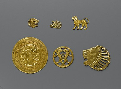 Achaemenid gold ornaments,70.142.6-.11.jpg