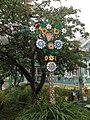 Adorno de jardín en una casa de campo típica rusa.jpg