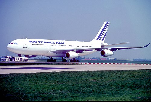 Air France Airbus A340-211; F-GLZD@CDG, April 1994 (from my collection, not my picture) (5669105207).jpg