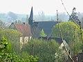 Airaines prieuré (vu depuis butte de Luynes).jpg