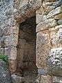 Alanya - Festungsberg - Nordbastion - Reste des hellenistischen Burgtores der Stadt Korakesion - panoramio.jpg