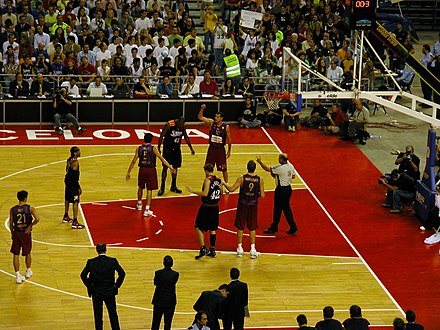 Iverson during a 2006 game with Barcelona Allen Iverson - Palau Sant Jordi.jpg
