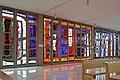 Ansfelden Pfarrkirche Haid Glasfenster Süd.jpg