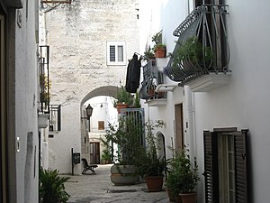 Mottola - A narrow street of the historical centre