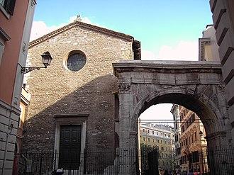 Santi Vito, Modesto e Crescenzia - Apse of church with  the Arch of Gallienus