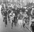 Atleti in gara al campionato italiano di maratonina del 1932.png