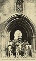Avignon Nacioun Gardiano à l'entrée du palais des papes.jpg