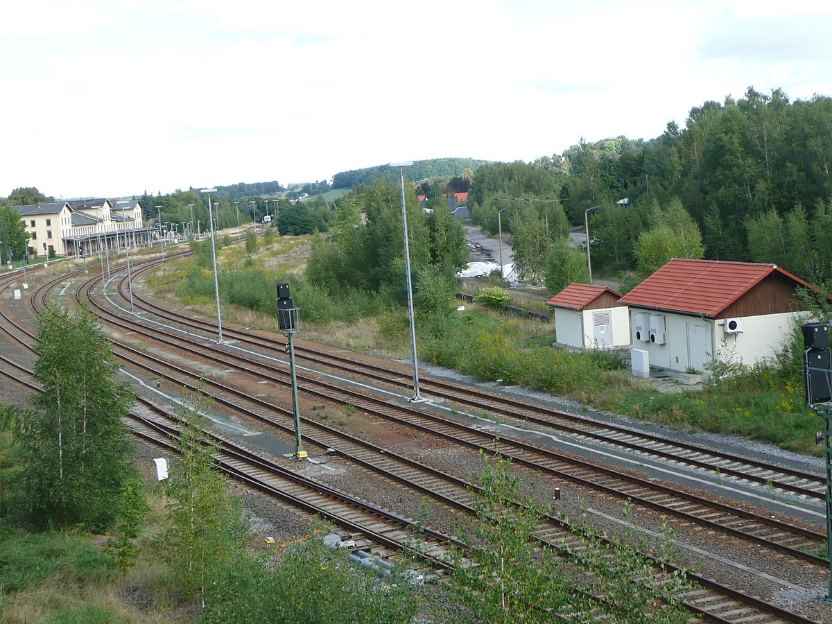 Bahnhof Ebersbach Gesamtansicht 2015.JPG