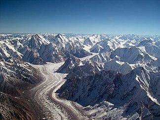 Baltoro-Gletscher mit Concordiaplatz und Gasherbrums