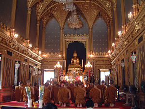 Wat Ratchabophit - Inside the shrine