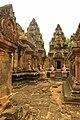 Banteay Srei Temple - panoramio (3).jpg