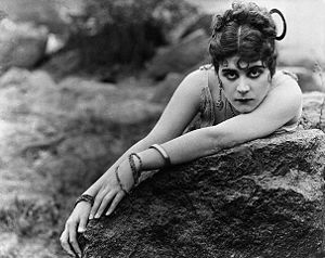 Carmen (1915 Raoul Walsh film) - Theda Bara as Carmen
