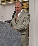 Barry Goldwater, Jr. Pasadena Republican Club (2712661807) (cropped).jpg