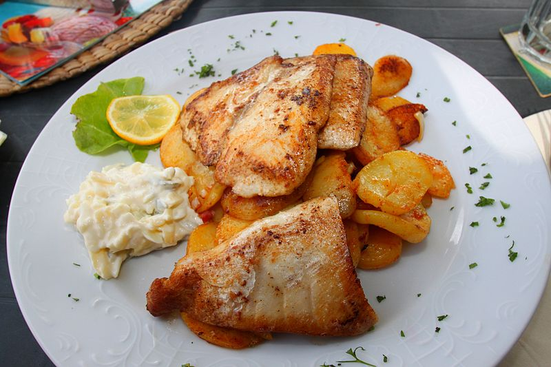 File:Barsch Bratkartoffeln Remoulade.JPG