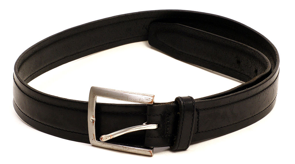 1024px-Belt-clothing.jpg