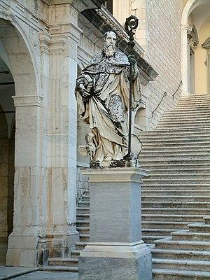 English: Statue of Benedict of Nursia, Monte C...