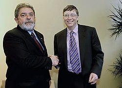 Bill Gates and Brazilian President Luiz Inácio Lula da Silva in Davos. January 26, 2003