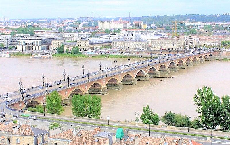 File:Bordeaux - Pont de Pierre vu depuis la flèche Saint Michel V2.jpg