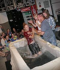 Aikalainen kaste Pohjois Amerikan kirkossa.
