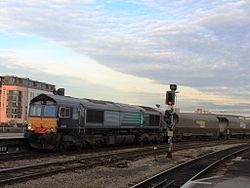 Bristol Temple Meads - Freightliner 66419 still in DRS livery.jpg