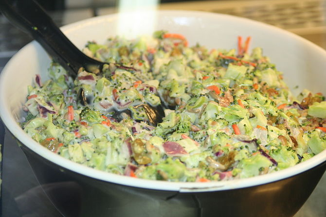 English: Broccoli Salad from a Minnesota super...