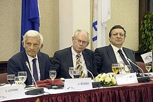 Jerzy Buzek - Image: Buzek van rompuy barroso