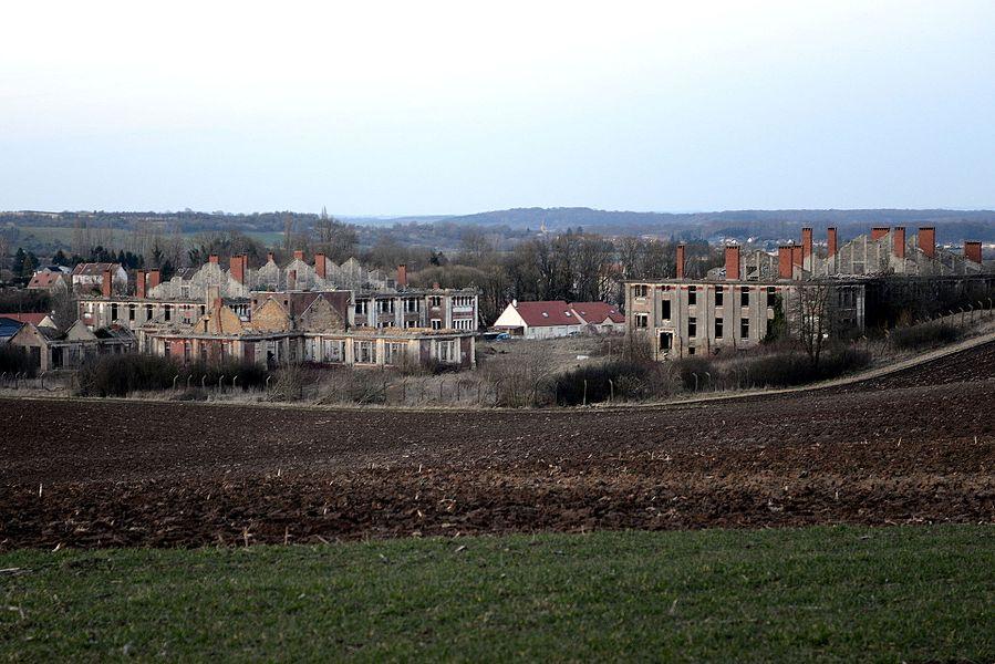 Le camp de Bockange faisait partie des installations de la Ligne Maginot et fut construit comme camp de sûreté dans les années 1930.Pendant l'occupation les Allemands y enfermaient des prisonniers italiens et russes. Durant les combats de la libération il servit aux troupes américaines avant d'être réaménagé en caserne pour les troupes françaises. Le site est désaffecté depuis les années 1970.