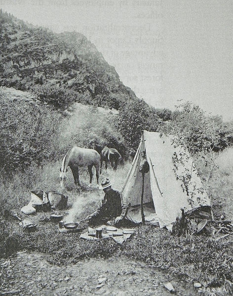 File:Camp in Cache NF 1914.JPG