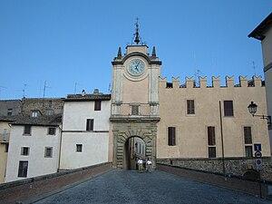 Capranica, Lazio - Image: Capranica Castello degli Anguillara e Torre Orologio 1