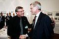 Carl Bildt hilser pa Nordisk Rads praesident Ole Stavad under Nordisk Rads session 2006 i Koebenhavn.jpg