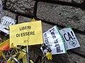 Cartelli laici (pride 2008 05).jpg