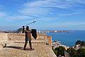 Castell de la santa Bàrbara d'Alacant, estàtua de llancer.JPG