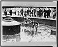 Catching goldfish in Union Square, N.Y. Dec. 1908 LCCN98506912.jpg