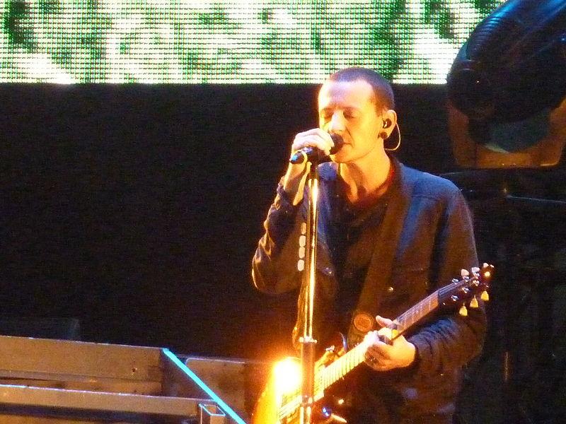 Chester Bennington in Maquinaria Festival 2010.jpg