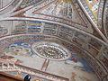 Chiesa superiore di san francesco, arcone coi santi e controfacciata.JPG