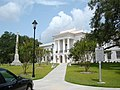 Colleton County Courthouse Walterboro SC - panoramio.jpg
