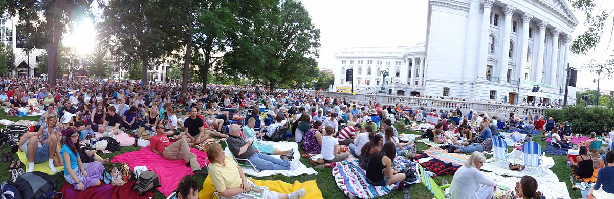 Panorama of Concerts on the Square.