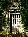 Confolent-Port-Dieu prieuré salle voûtée porte.JPG
