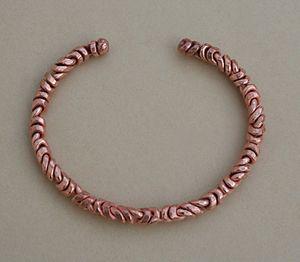 English: Copper bracelet Português: Pulseira e...