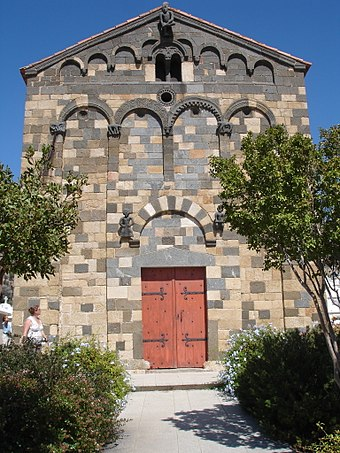 The medieval influence of Pisa in Corsica can be seen in the Romanesque-Pisan style of the Church of Aregno. Corse-04812-eglise de Aregno.jpg