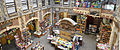 Cour intérieure de la librairie l'Armitière (Rouen, France).jpg