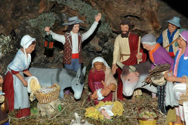 Oh Oh oh... Venez attendre Noël ici !  620px-Cr%C3%A8che_proven%C3%A7ale_santons_Paul_Fouque