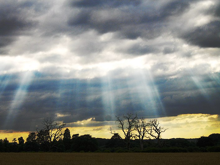 Crepuscular rays with clouds and high contrast fg FL.jpg