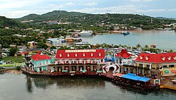 Cruise Port ~ Isla Roatan (31089485956).jpg