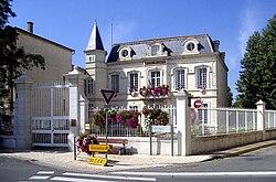 Cuxac-d'Aude, Hôtel de ville.jpg