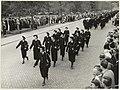 Défilé op de Dreef van reserve() politie agentes gehouden op de Provinciale dag in 1955. NL-HlmNHA 54004253.JPG