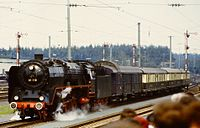 DB 01 118 mit Rheingold.jpg